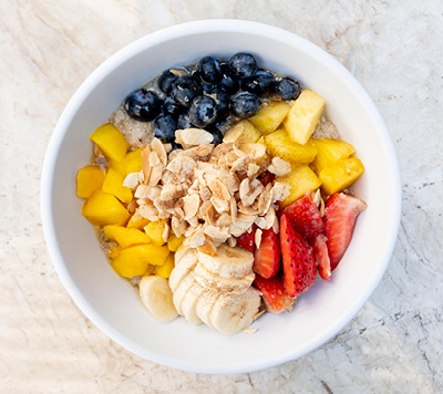 Oatmeal with Fresh Fruit from the Breakfast Menu at Colorado Kitchen