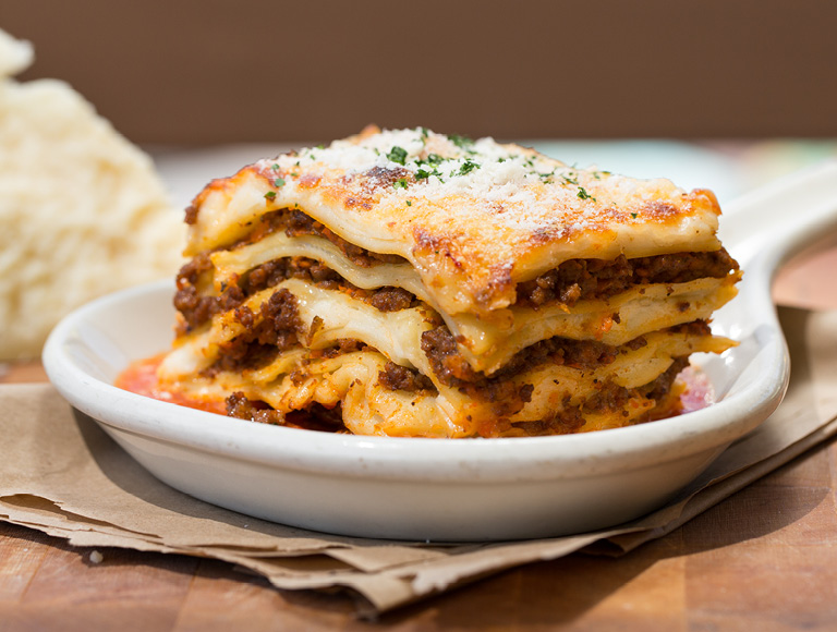 Lasagna di Bolognese, Dining at Downtown Disney District