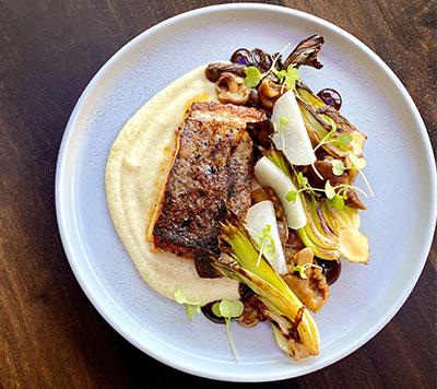 Burgers & homemade chips | Buffalo, NY bars & restaurants
