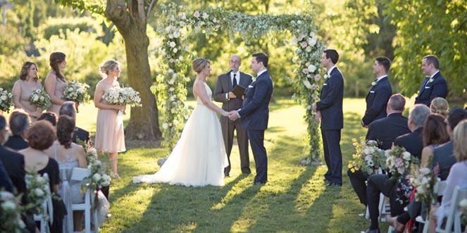 garden ceremony brooklyn botanic garden wedding - Botanical Garden Wedding